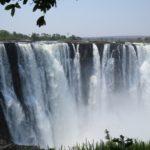 Vue sur les chutes Victoria depuis le parc National au Zimbabwe